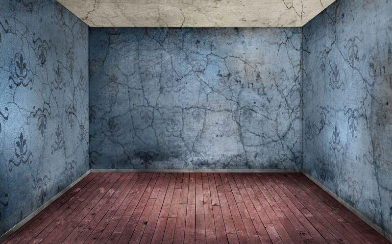 Пол и стены оформленные под старину