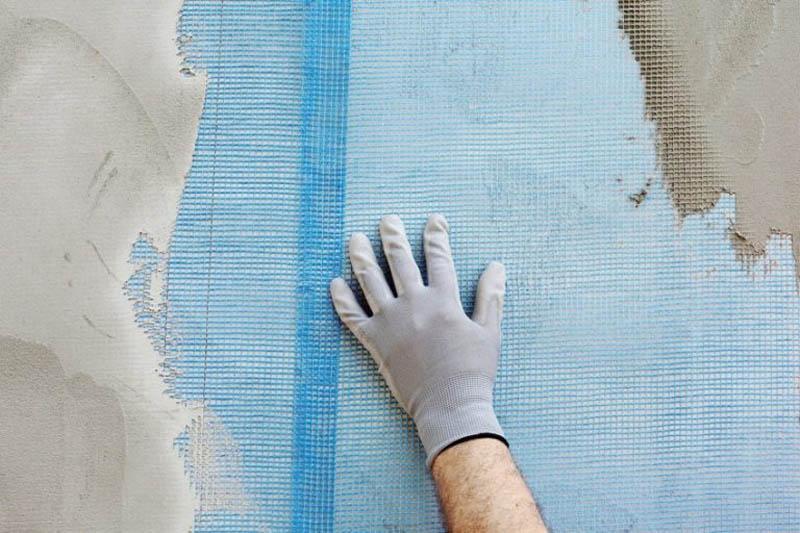 Предварительное армирование стены с помощью сетки